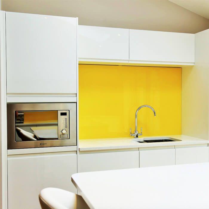 Gekleurde keuken achterwand extra helder glas