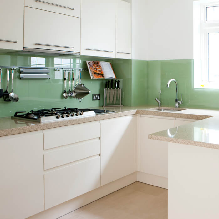 Gekleurde keuken achterwand helder glas