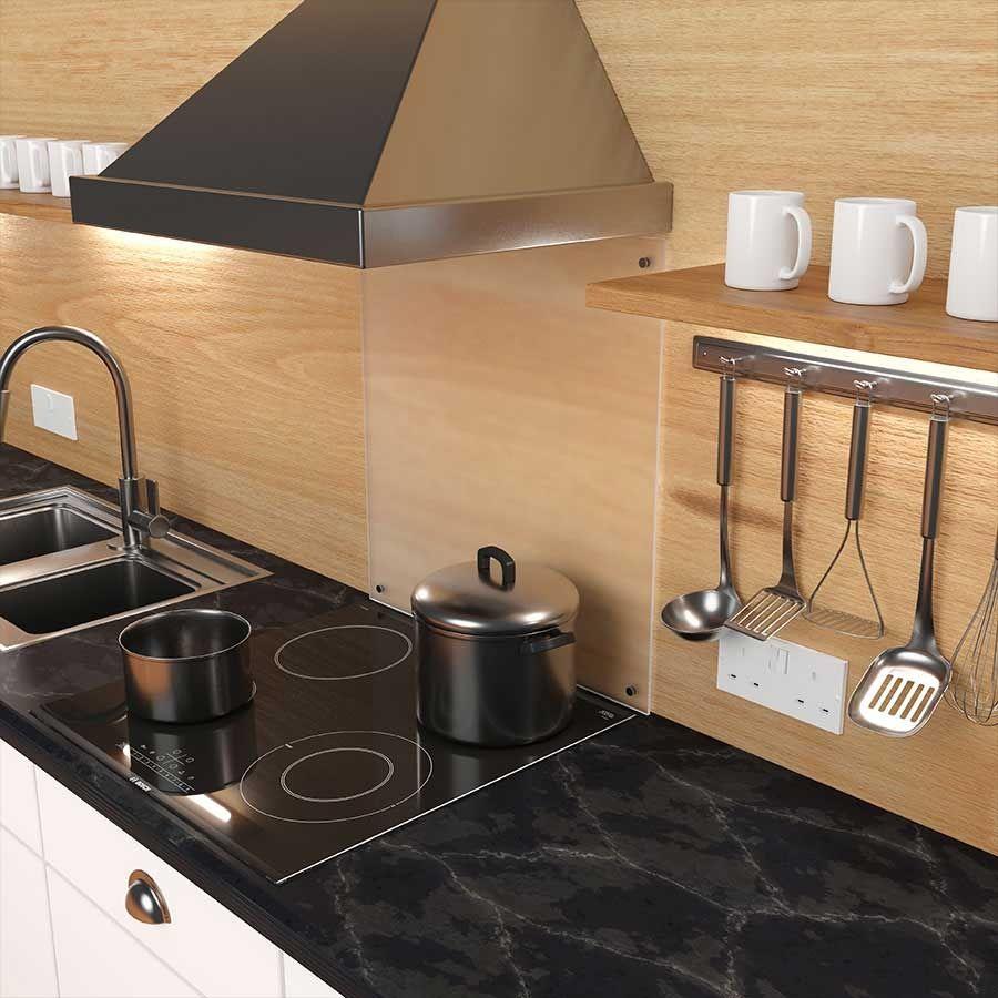 Keuken achterwand van mat glas