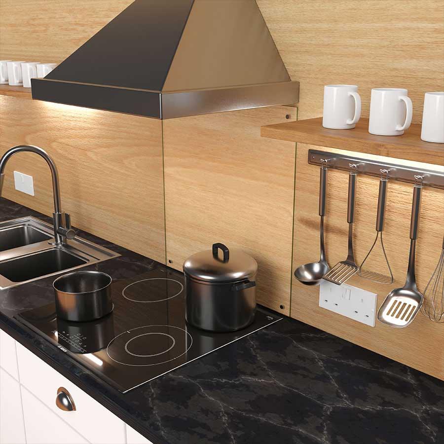 Keuken achterwand van helder glas